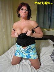 Amateur housewife having dildo fun